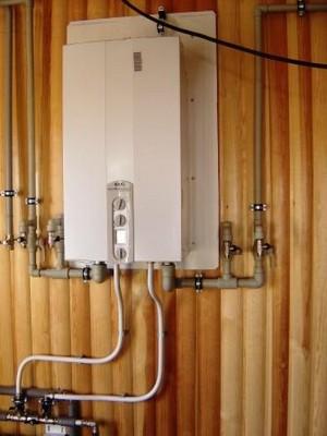 ...схемы подключения (обвязки котлов) и способы монтажа ( установки) настенных и напольных котлов отопления (газовые...